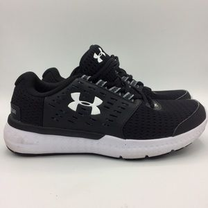 Under Armour black white sneakers shoes like new